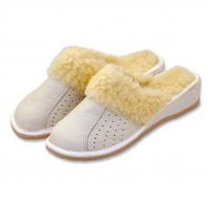 Pantofle na klínku s ovčí vlnou BÍLÉ