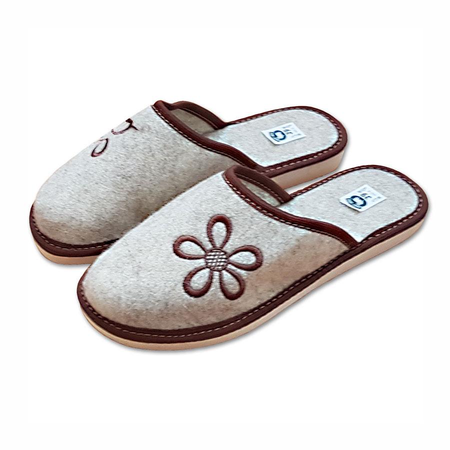 Dámské filcové pantofle s uzavřenou špicí