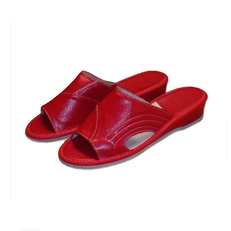 Dámské pantofle na klínku  černá 40